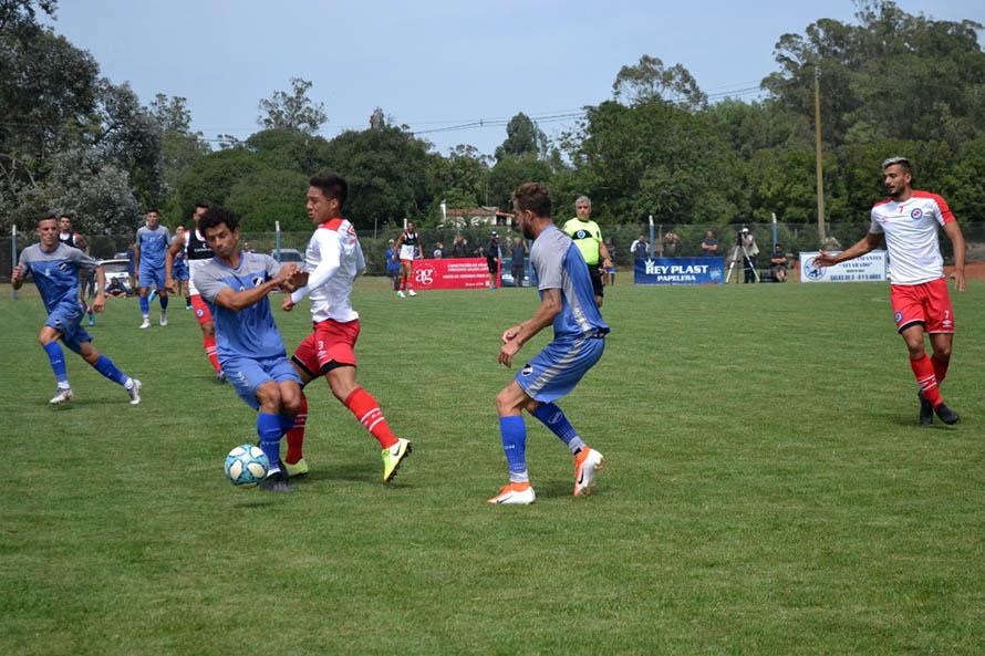 Alvarado dejó una buena imagen ante Argentinos Juniors en un amistoso