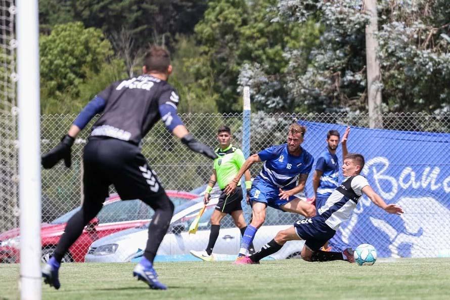 Alvarado jugó dos amistosos ante Quilmes a la espera de su primer refuerzo