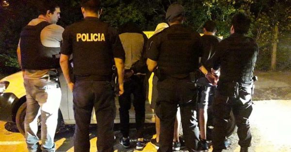 Entraron a robar a una casa de Acantilados y los persiguió la policía: cuatro detenidos