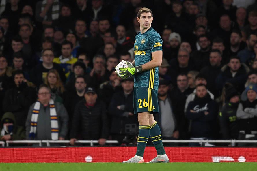 FA Cup: Emiliano Martínez fue titular en la victoria ante el Leeds de Bielsa
