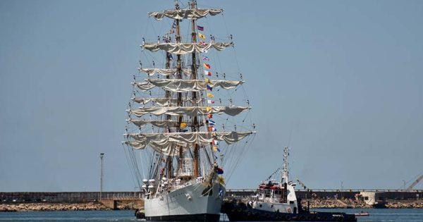 La Fragata Libertad vuelve a Mar del Plata para ser reparada