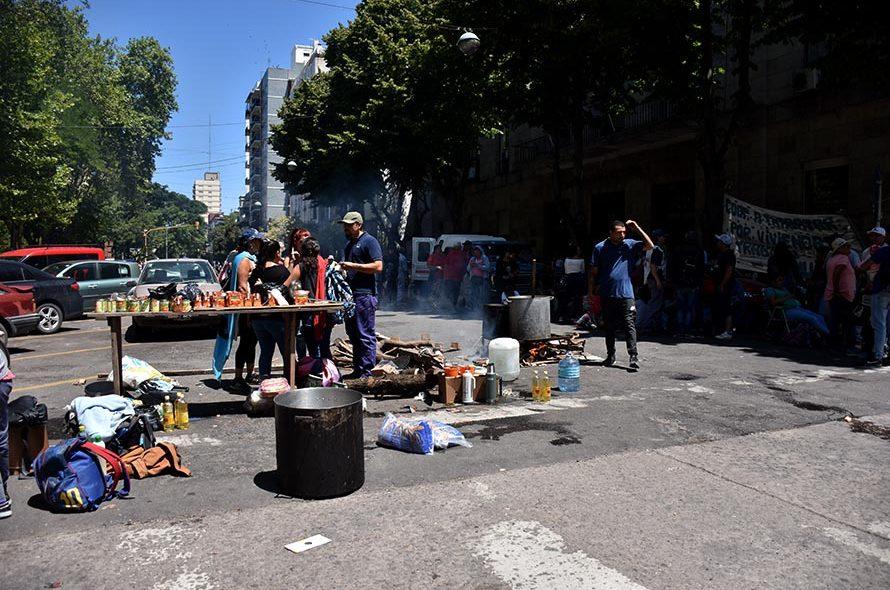 PROTESTA RECLAMO POLO OBRERO BARRIOS DE PIE MTR MUNICIPALIDAD (1)