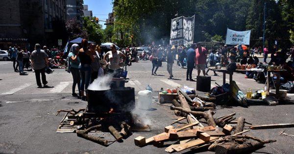 Una nueva protesta por trabajo para las cooperativas y ayuda para los comedores