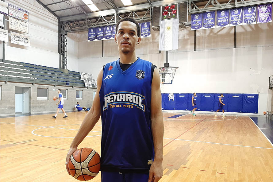 Tyler Harris (Foto: prensa Peñarol)