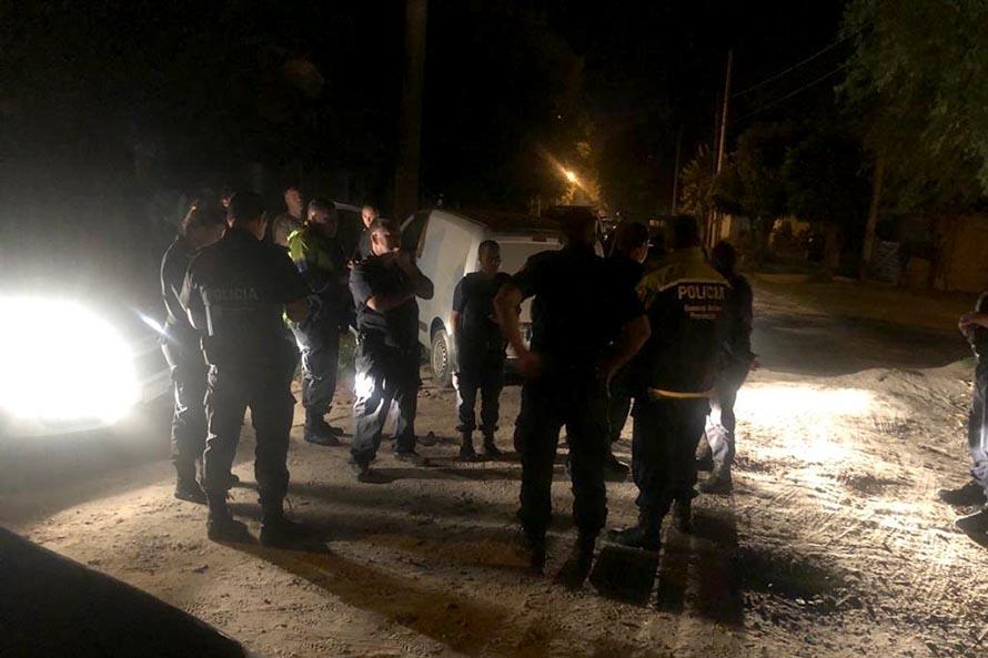 Robo en una heladería, escape y persecución: tres detenidos
