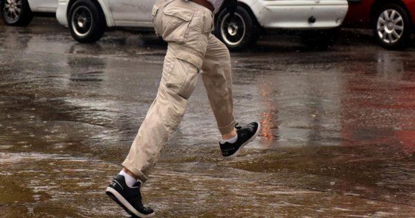 Sigue la lluvia y el alerta meteorológico en Mar del Plata: cayeron 61 milímetros