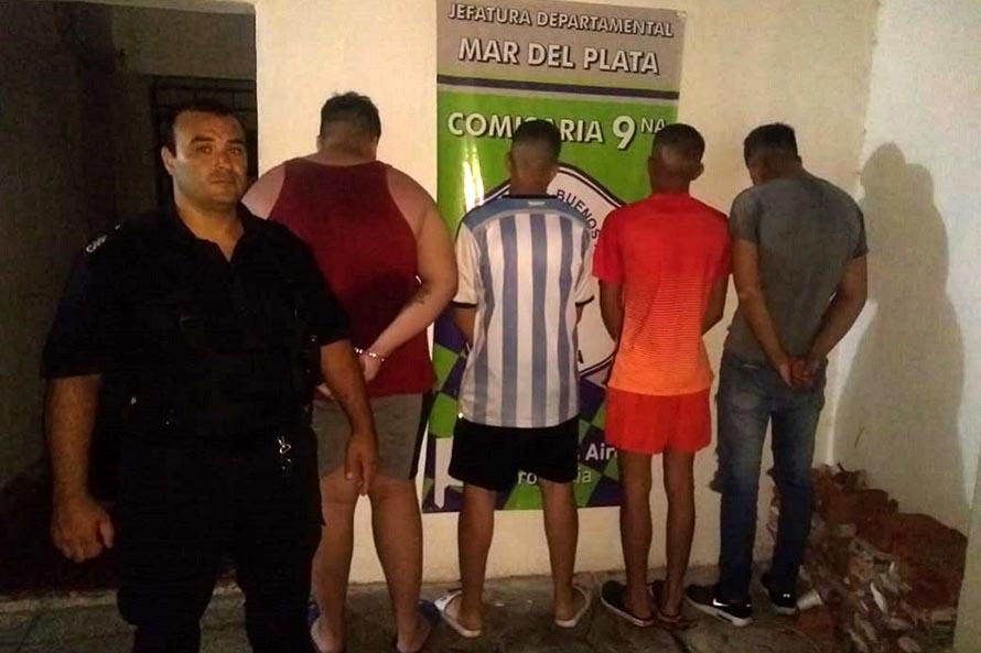 Asaltaron a un taxista y escaparon en el auto: cuatro detenidos