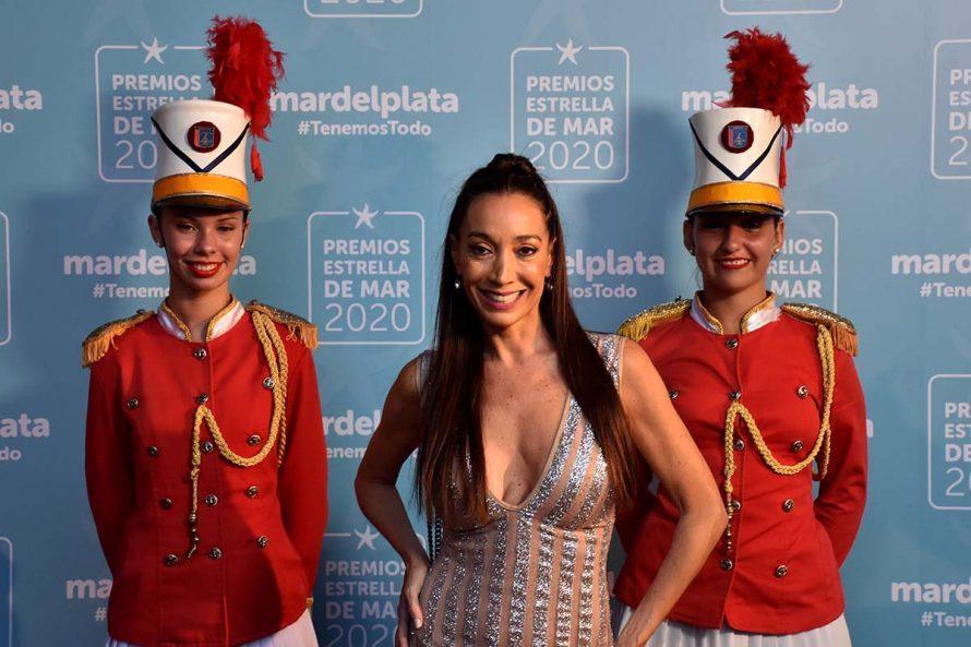 ESTRELLA DE MAR ALFOMBRA ROJA (2)