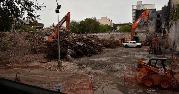 Torres y Liva: terminó la demolición y comienza la limpieza y cerramiento
