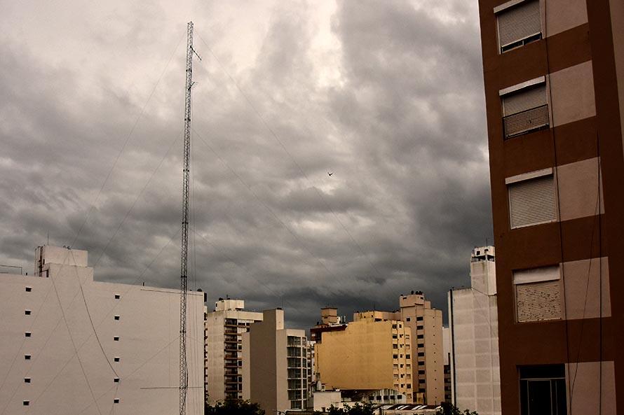 Alerta meteorológico en Mar del Plata: advierten por tormentas fuertes y granizo