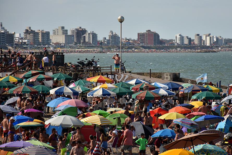 Sábado con sol y calor y anuncio de lluvias para parte del domingo y lunes