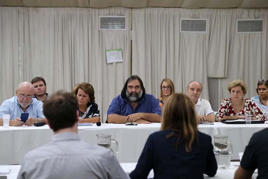 Empezó la paritaria docente y el jueves se reúne la comisión salarial