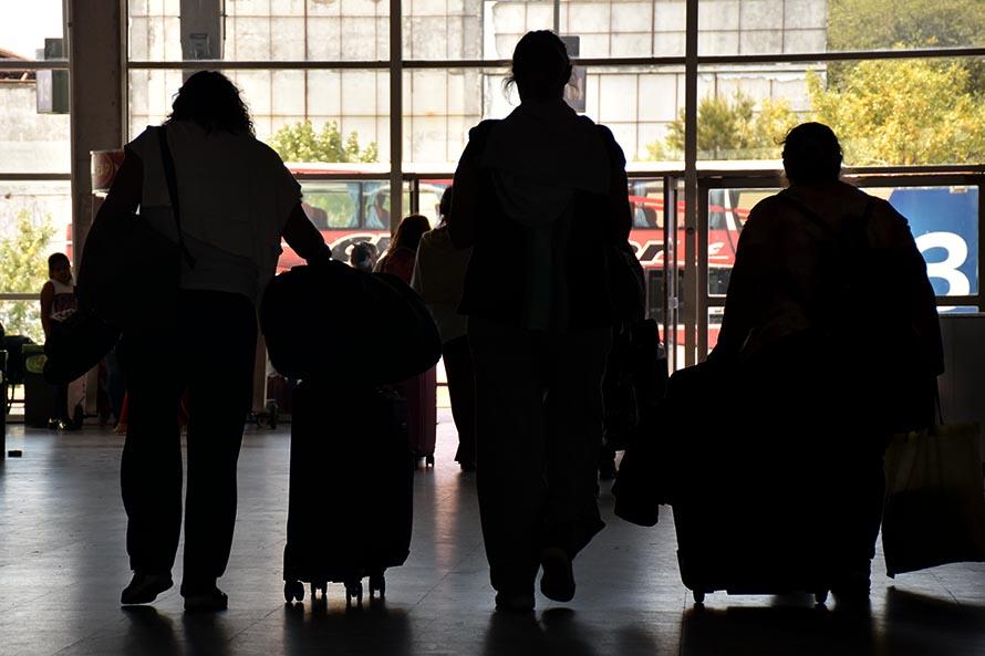 Coronavirus en temporada: cómo será el manejo de casos en viajeros y turistas