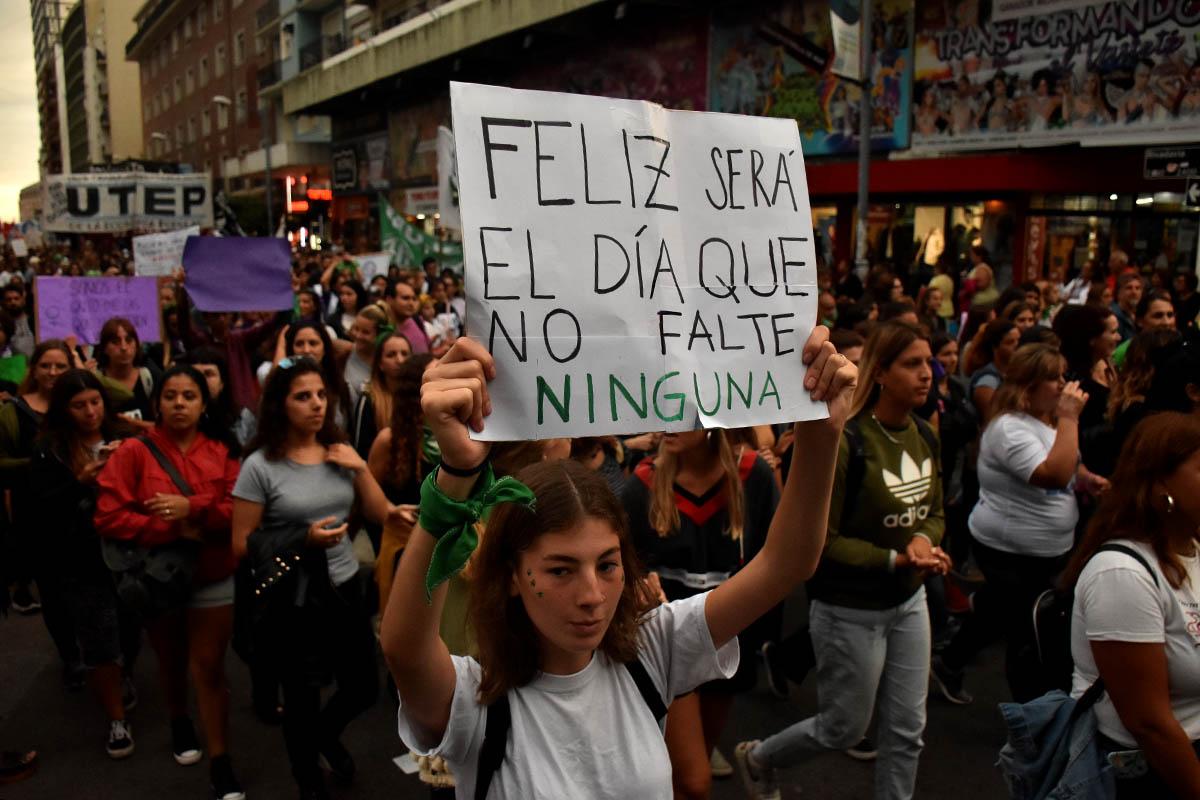 """8M: preparan una nueva marcha contra los femicidios y por """"igualdad laboral"""""""