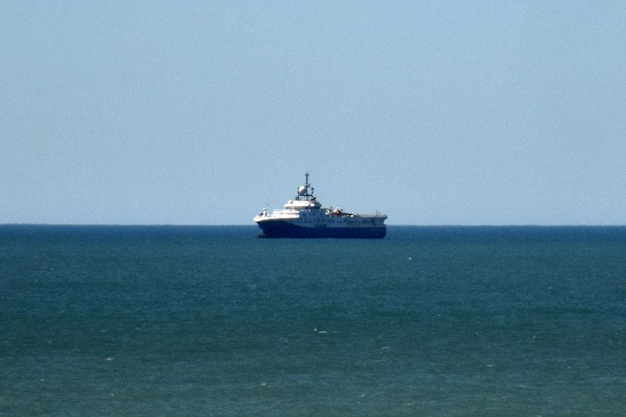 Montenegro se presentó ante la Justicia Federal contra el ingreso del crucero
