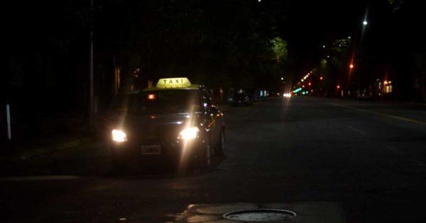 Buscan que usuarias de taxis o remises puedan optar por autos conducidos por mujeres