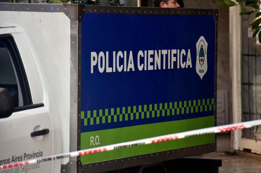 Investigan la muerte de un hombre en su casa del barrio Pueyrredon