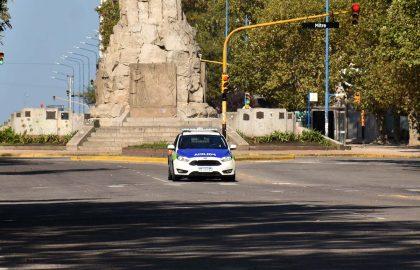 POLICIA CUARENTENA CORONAVIRUS PATRULLERO (4)