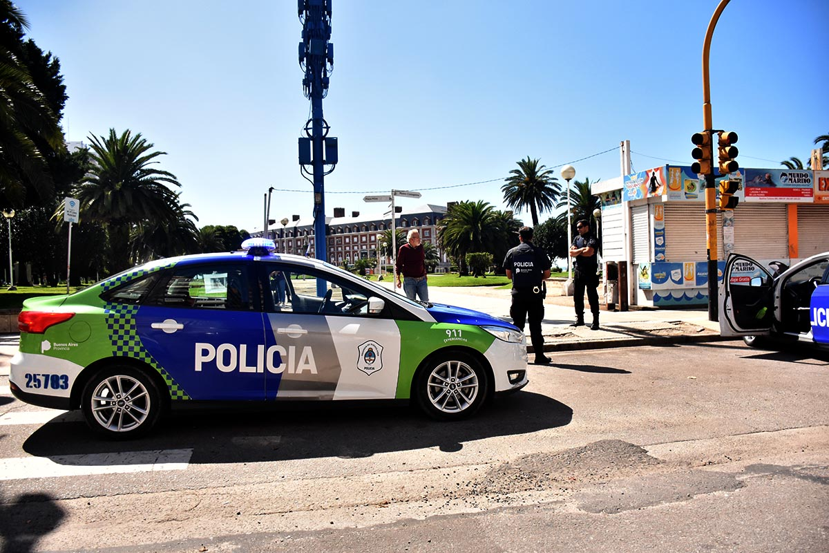 La policía controla el cumplimiento de la cuarentena en Mar del Plata