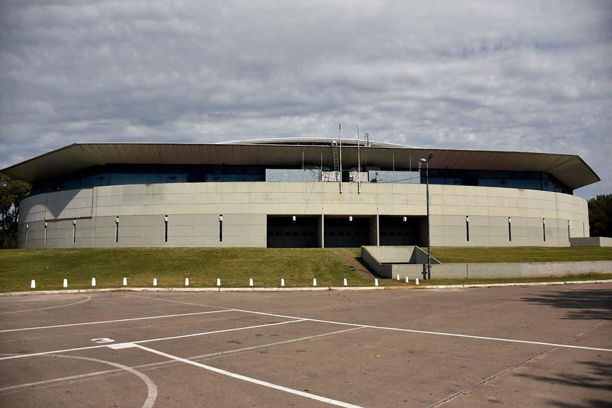 Iniciaron trabajos de puesta en valor en el Polideportivo Islas Malvinas
