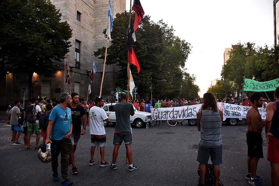"""Una marcha y corte de la UGA en busca de la """"municipalización"""""""