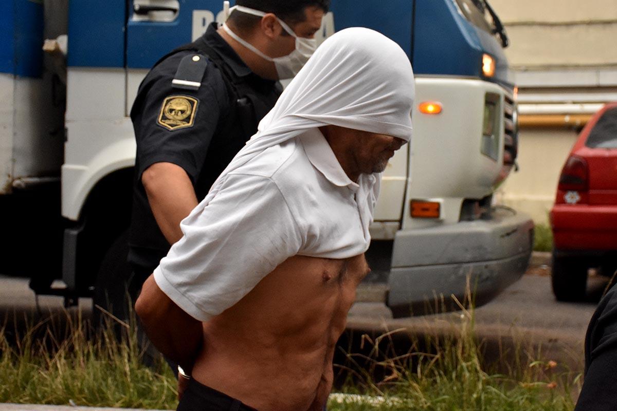Gritos y desesperación ante la llegada de Ricardo Rodríguez a Tribunales