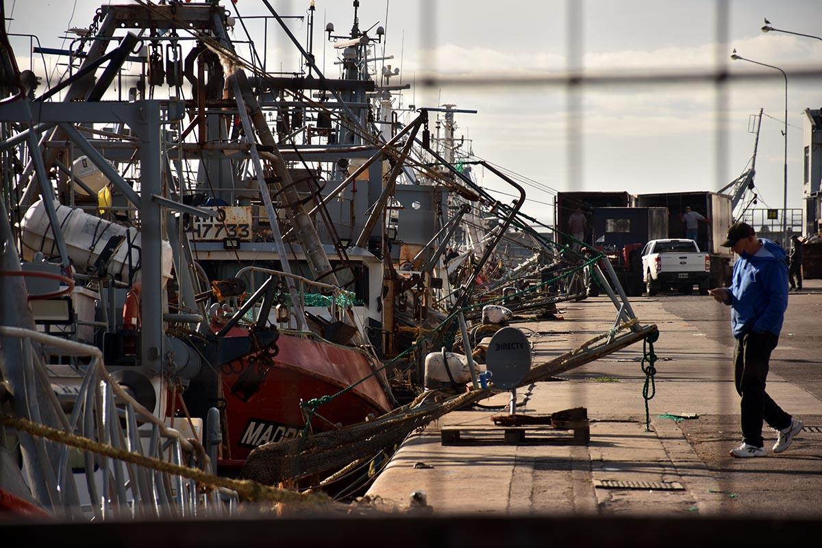 Puerto: la Asociación de Capitanes levantó el paro tras una reunión con Vizzotti