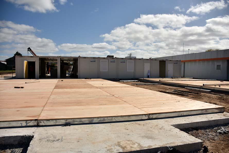 Hospital modular: funcionarios nacionales recorrieron las obras en el predio del HIGA
