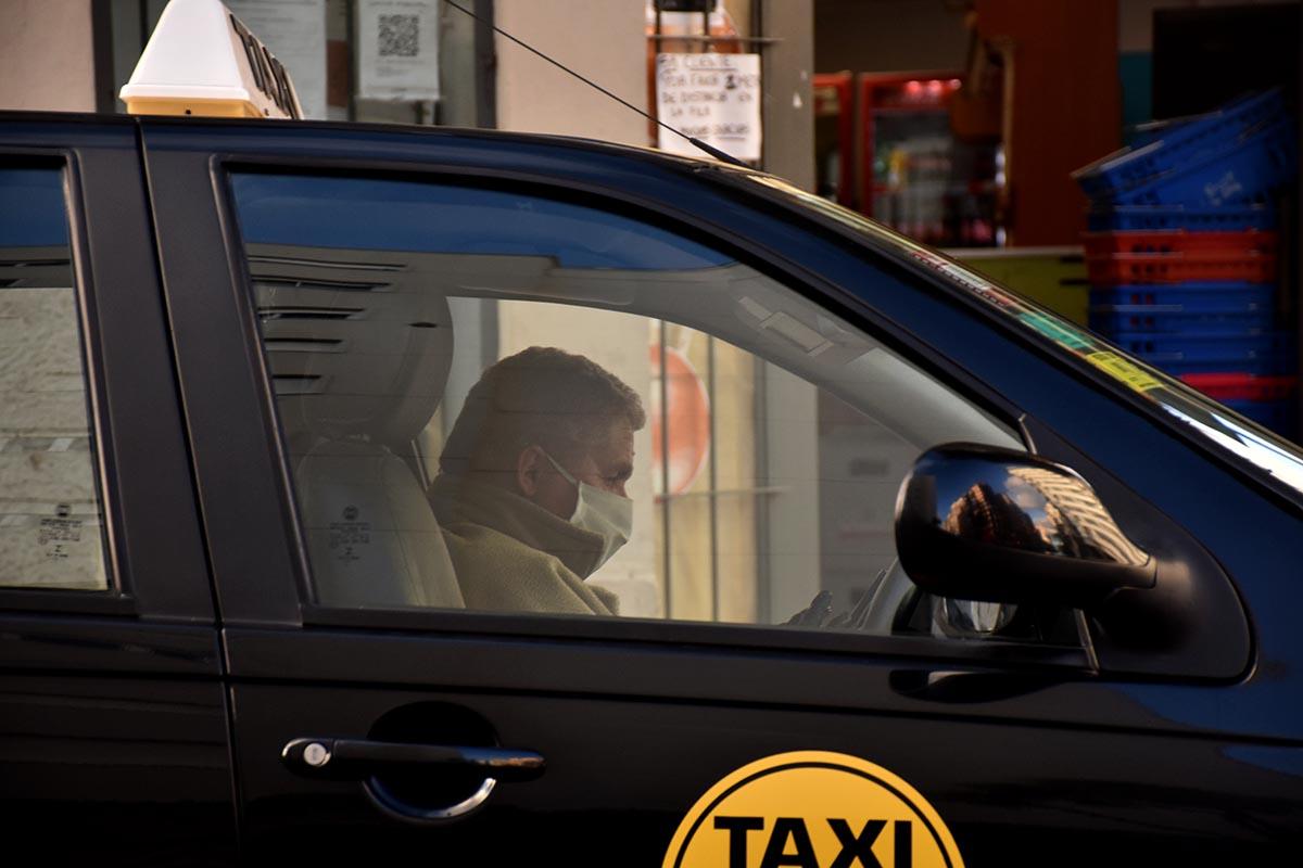 Taxistas en pandemia: menos circulación, horarios acotados y escasos ingresos