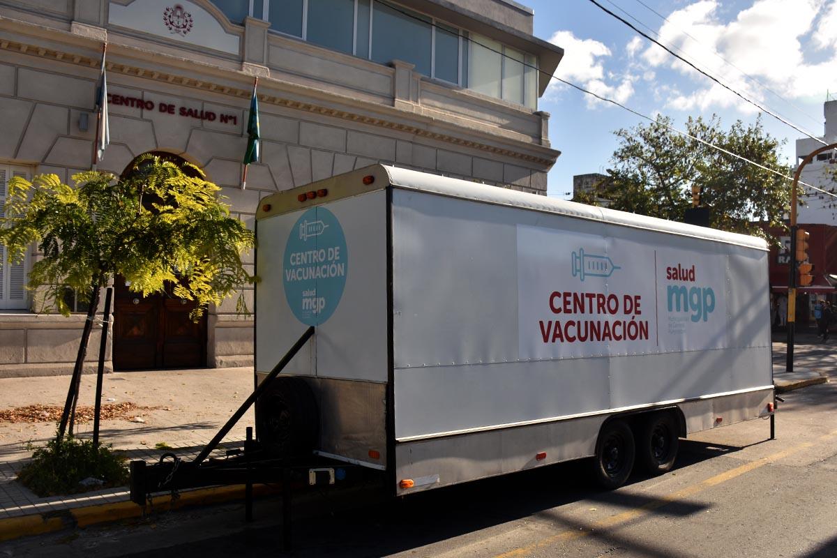 Vacunación antigripal: en dispositivos municipales, sigue sólo para embarazadas y bebés