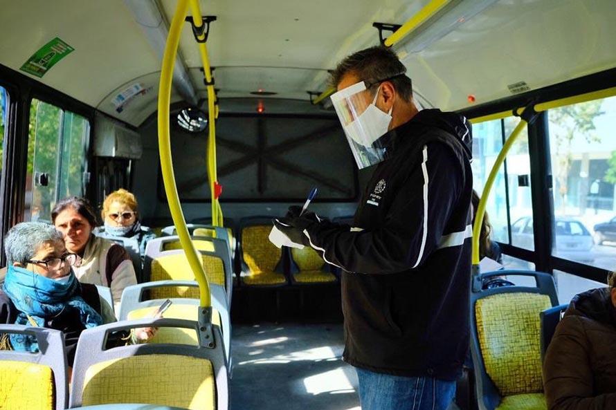 Controles en el transporte público para garantizar el cumplimiento de la cuarentena
