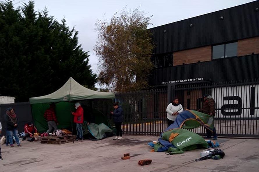 Pesquera Angelito: levantaron el acampe con un 60% de las indemnizaciones