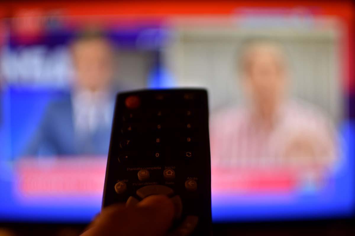 """Desde el 1 de enero habrá un """"Plan básico universal"""" de telefonía, internet y TV paga"""