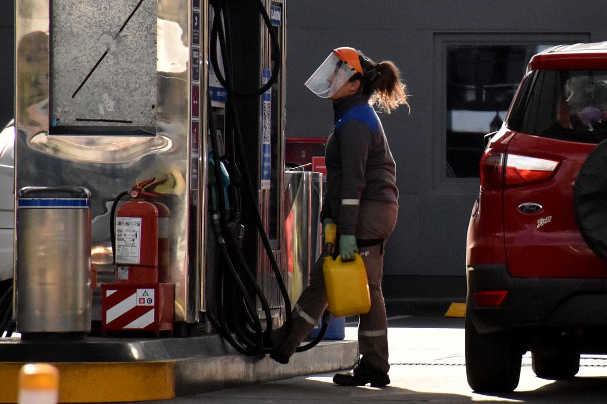 YPF volvió a aumentar el precio de la nafta, ahora un 3,5% en promedio