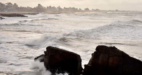 Alerta meteorológico y fuerte viento: cómo sigue el tiempo en Mar del Plata