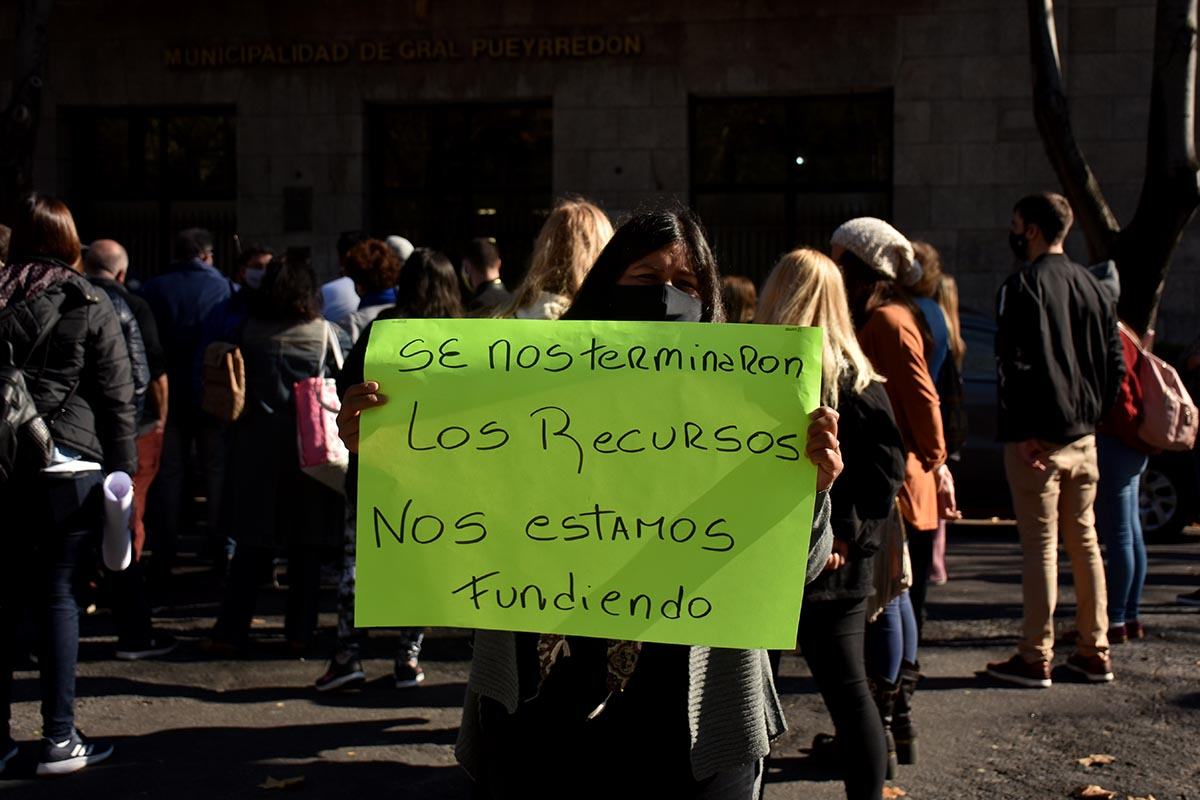 Comerciantes se manifestaron en el Municipio para que les permitan volver a trabajar