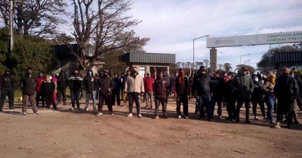 Cansados de esperar respuestas, recuperadores bloquean y acampan en el basural