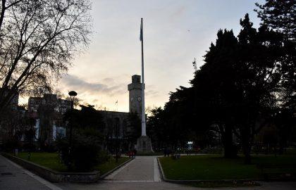 BANDERA PLAZA SAN MARTIN LGBT DIVERSIDAD orgullo mar del plata (1)