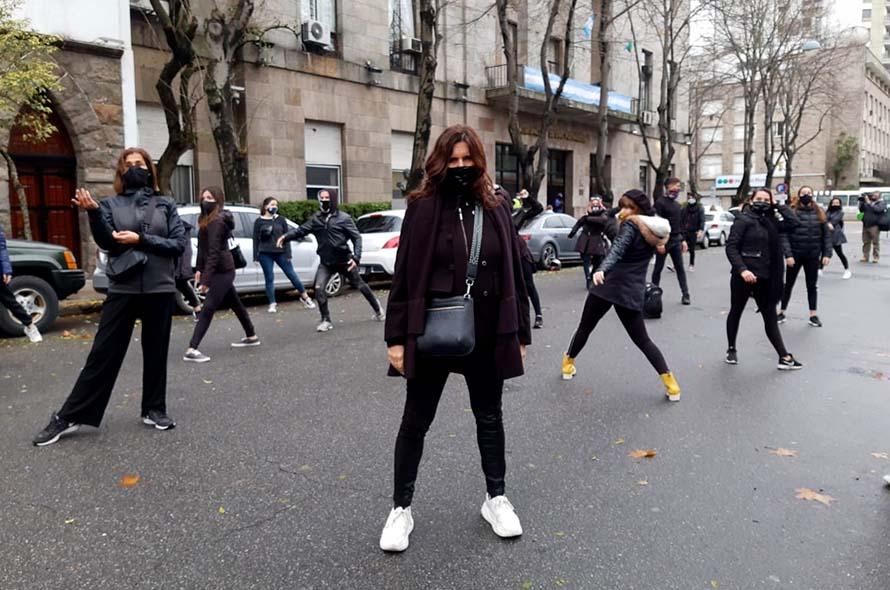 Referentes de escuelas de danza y arte se manifestaron para pedir la reapertura