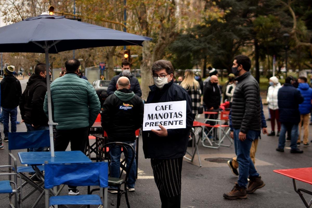 Pese a la insistencia de Montenegro, la Provincia rechazó la apertura de gastronómicos