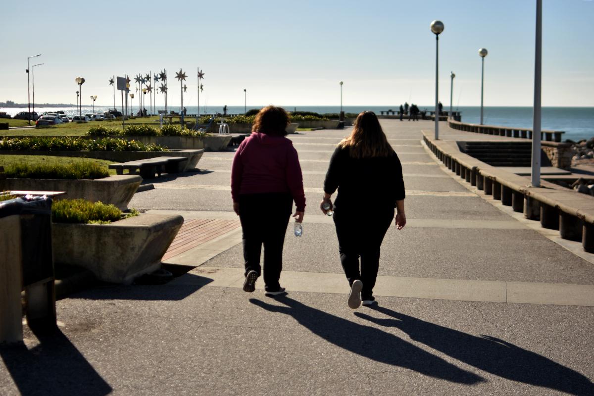 Autorizan las salidas recreativas en Mar del Plata: de 8 a 20 y a 500 metros del domicilio