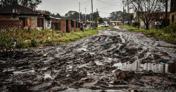 Temporal en Mar del Plata: volvió la luz a los barrios, pero empeoró el estado de las calles