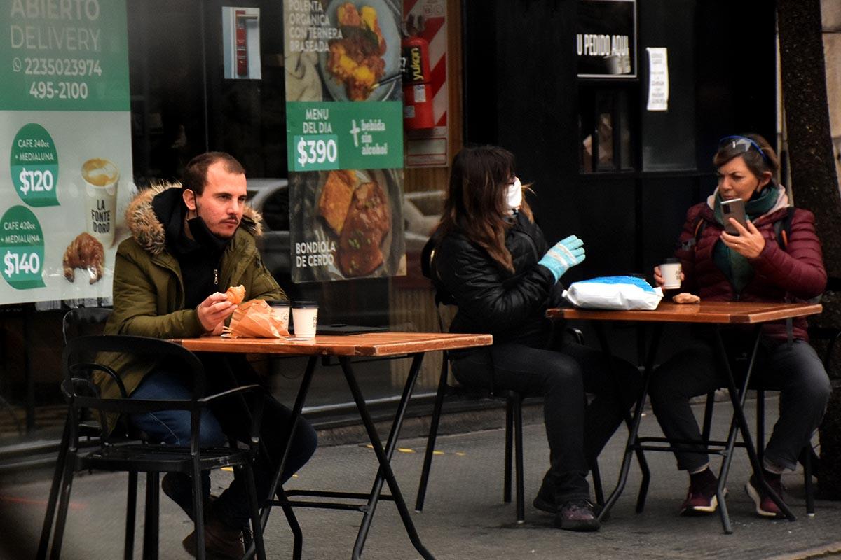 En fase 4, volvieron los cafés y deportes individuales: las primeras horas, en fotos