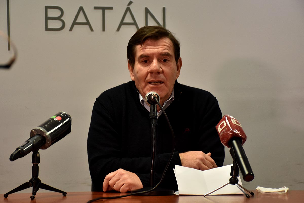 """Montenegro y el brote: """"Volviendo a fase 1 esta situación hubiera seguido igual"""""""
