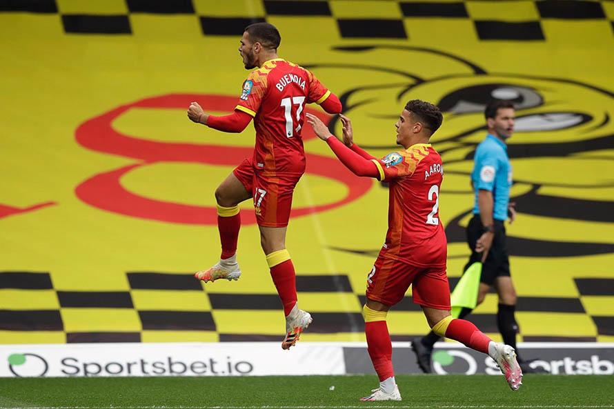 Emiliano Buendía anotó su primer gol en la Premier League