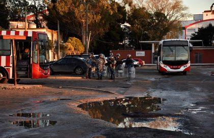 RECLAMO CHOFERES COLECTIVOS UTA 25 DE MAYO (18)
