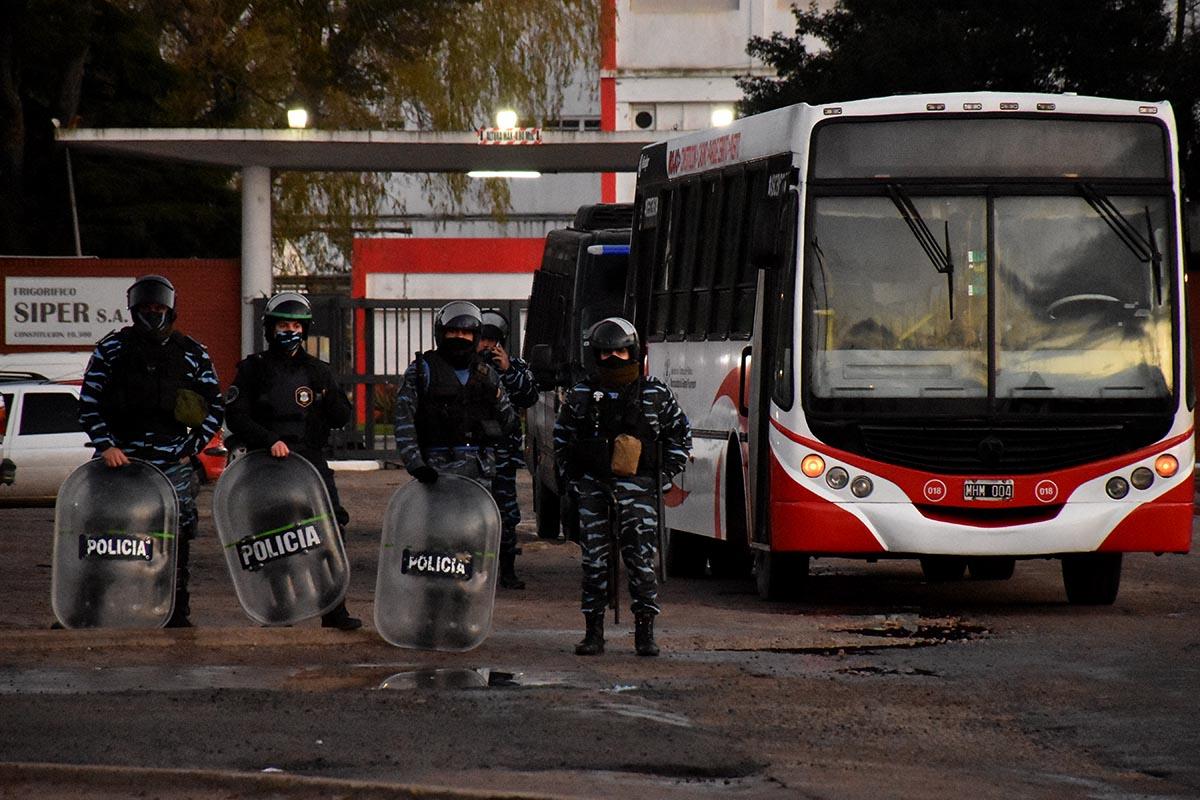 """La UTA insiste ante la Justicia contra el bloqueo: """"Hay una terminal ilegalmente ocupada"""""""