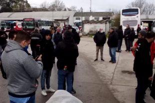 Colectivos: en medio del conflicto, una protesta de choferes disidentes de la UTA
