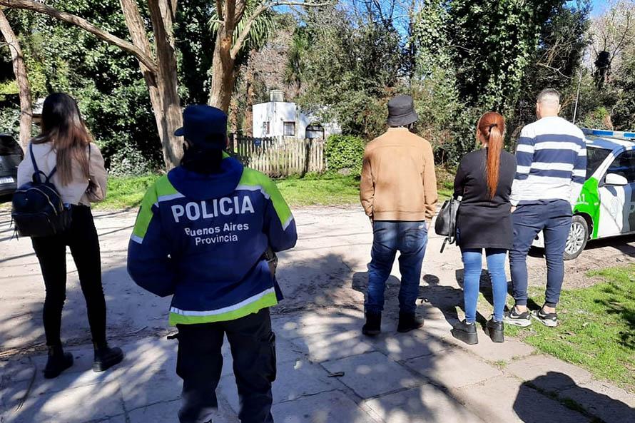 Desactivan una fiesta clandestina de 18 personas en El Grosellar