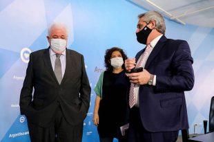Por irregularidades en la vacunación, el presidente pidió la renuncia a Ginés González García